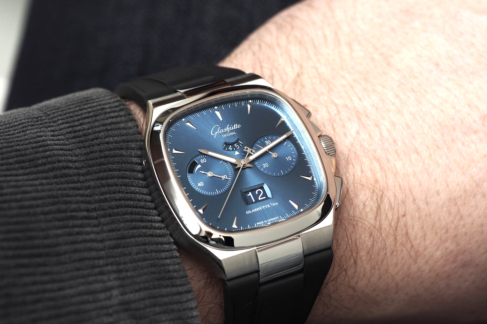nice lecoultre fashion on watches jaeger swiss squadra complexity reverso blog wristrecto world of chronograph the hands buy wholesale mechanical luxury