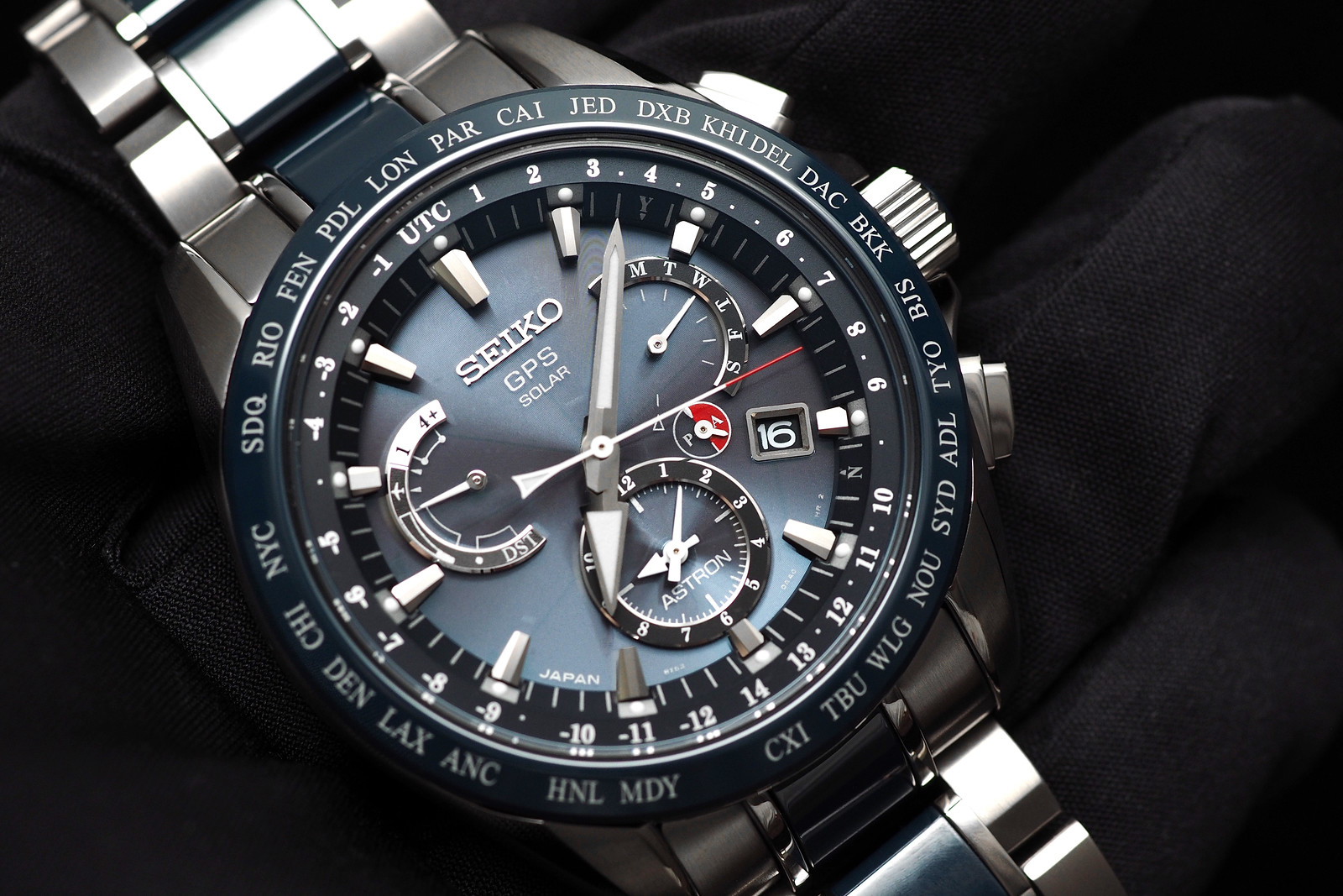 REVIEW  Seiko Astron GPS Solar Dual-Time c61c15b0678f