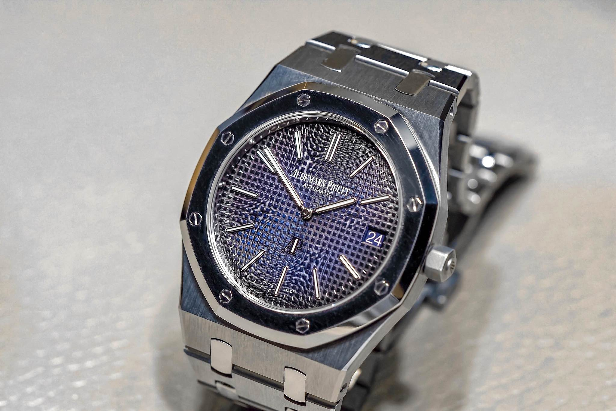 audemars royal bezel watches chronograph case platinum titanium piguet oak