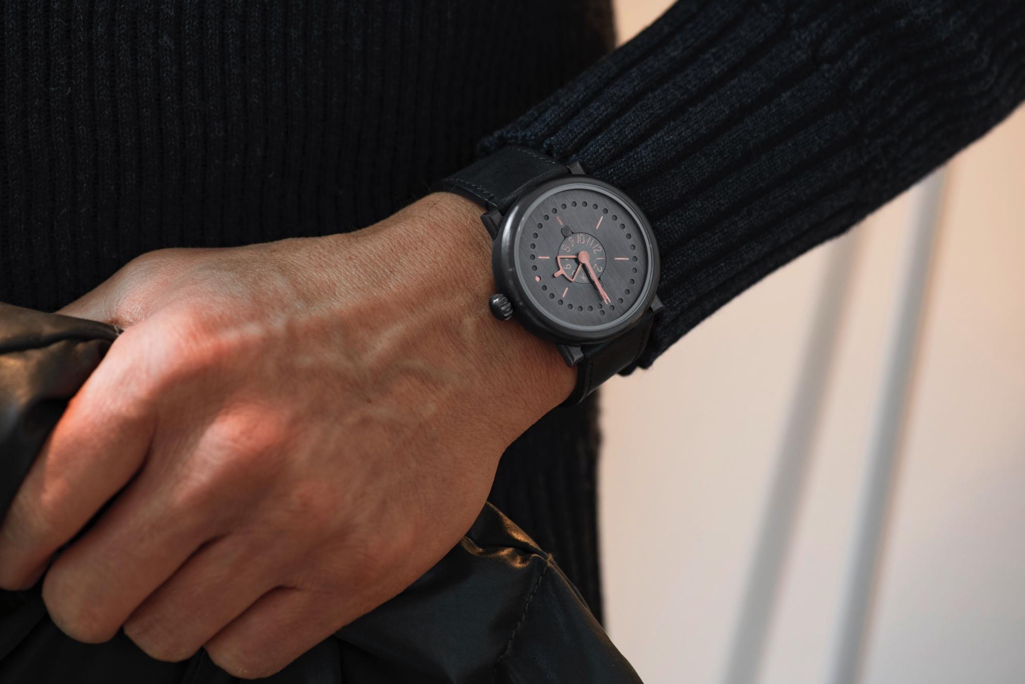 two time zones date pvd rose-gold wristshots ochs und junior