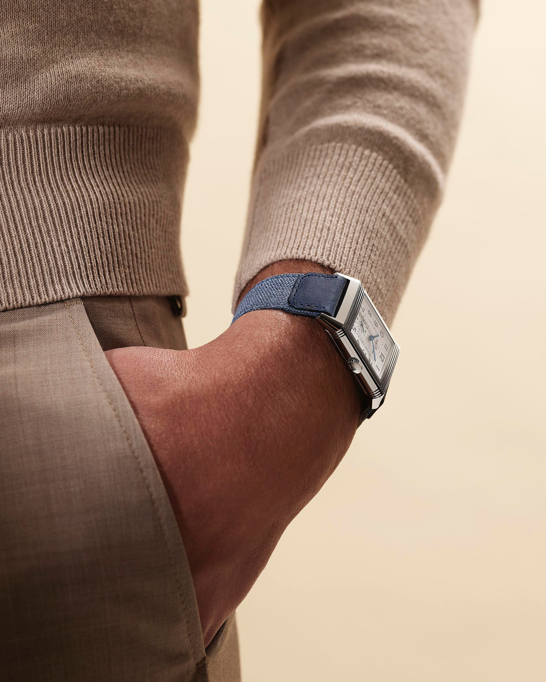 Jaeger-LeCoultre Casa Fagliano Reverso Strap Pale Blue wristshot